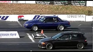 Download AMERICAN MUSCLE CARS vs IMPORT TUNER CARS DRAG RACING Video
