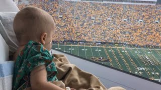 Download Sick 4-Year-Old Smiles When Entire Football Stadium Waves at Him in Hospital Video