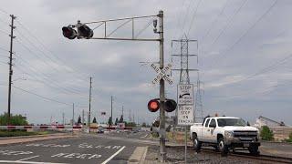 Download UP HI-Railer Truck South, Power Inn Rd. Railroad Crossing, Sacramento CA Video
