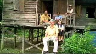 Download Bagaimana untuk menikah wanita Dayak di hutan? - Darrel Stott ″How to marry Dyak lady″ Video