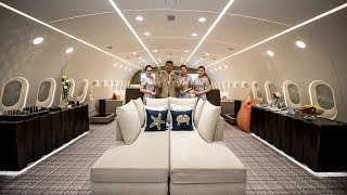 Download Inside The World's Only Private Boeing 787 Dreamliner! Video