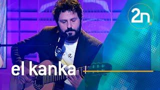 """Download El Kanka interpretra """"Guapos y guapas"""" en La 2 Noticias Video"""