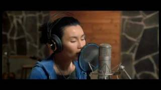 Download Maggie Cheung - Down in the light.avi Video