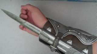 Download AC Ezio's Hidden Blade Unboxing Video