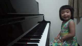 Download Amazing 3-year-old baby girl plays Grade 5 piano ~ 師承邱世傑 Video