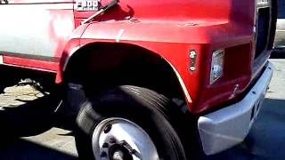 Download Ford F800 diesel pick up truck Video