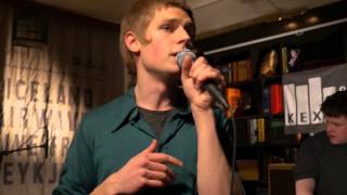 Download Fufanu - Blinking (Live on KEXP) Video
