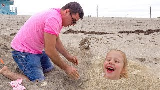 Download Настя и папа веселятся на море Video