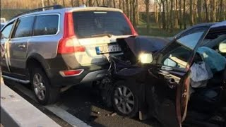 Download Volvo crash. Volvo XC70 vs Toyota Avensis Video
