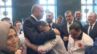 Download Cumhurbaşkanı Erdoğan Down Sendromlu Sporcuları Kabul Etti Video