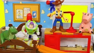 Download Disney Pixar Toy Story 3 playsets in 1 with Buzz lightyear Woody dinosaur rex hamm Video