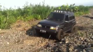 Download Daihatsu Terios vs Suzuki Vitara Video