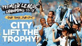 Download MAN CITY LIFT PREMIER LEAGUE TROPHY! | Champions 2017/18 Video