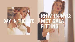 Download Rosie Huntington-Whiteley's Met Gala 2019 dress fitting with Oscar de la Renta Video
