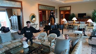 Download HIDE AND SEEK IN WORLD'S MOST EXPENSIVE HOTEL SUITE! Video