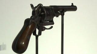 Download Verlaine tira sur Rimbaud: le revolver vendu 434.500 euros Video