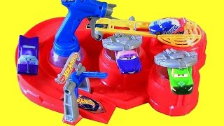 Download Color Changing Hot Wheels Color Blaster Playset with Disney Pixar Cars Color Changers Video