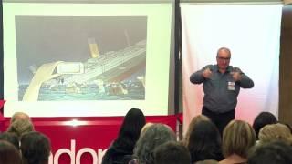 Download Las líneas rojas de la sociabilidad | Alfred López | TEDxAndorraLaVella Video