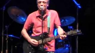 Download Toto Marino - E Fimmine senza Minne ( Live a MESORACA 10 - 08 - 2010 ) Video