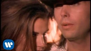 Download Dwight Yoakam - Suspicious Minds Video