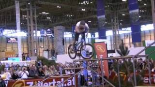 Download Danny Macaskill,Nash Masson,Duncan Shaw,Lynne Aitchison-The Clan:Bike Demo:NECMARCH09 Video