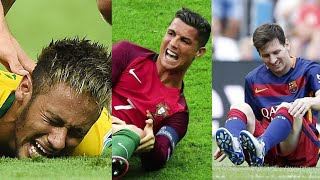 Download Players Hunting on Neymar, Lionel Messi, Cristiano Ronaldo ● Horror Fouls & Tackles |HD (PART 2) Video