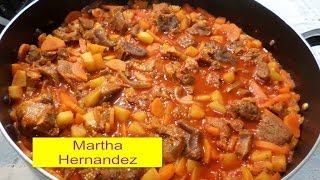 Download Receta Chambarete en Guajillo Zanahoria Papas y Tomatillos Video