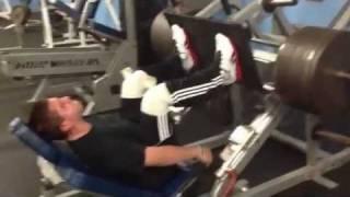 Download Glenn Stila,13 year old,1000 pound leg press for 5 reps Video