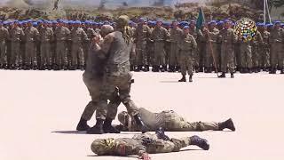 Download Komutan askerle böyle şakalaştı Video