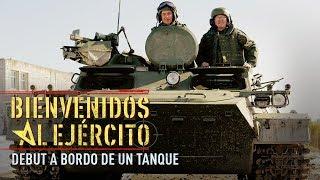 Download ¡Bienvenidos al Ejército! - Debut a bordo de un tanque Video
