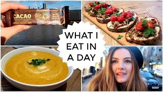 Download 24. What I Eat In A Day | Niomi Smart Video