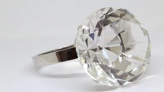 Download Woman Bought $13 Diamond Ring At Flea Market That Sold For Over $800K At Auction Video