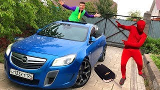 Download Mr. Joe climbed Out Through Hatch of Car VS Red Man found Car Keys & closed Opel Insignia OPC Video