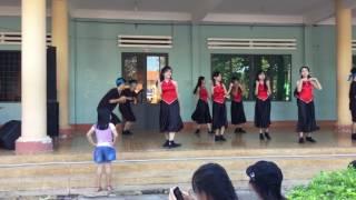 Download Nhảy Cô tấm ngày nay - Ăn gì đây- 12B1- THPT Buôn Đôn Video