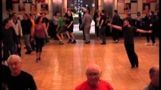 Download Hi Lo At (היא לא את) - Sagi Azran and Sharon Elkaslasi - Hilulim 2014 Video