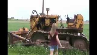 Download #994 hot jen learns to start a huge 1953 bulldozer, gas to diesel [Davidsfarm] Video