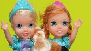 Download Elsa and Anna toddlers and Olaf PLAY together ! Eating breakfast Bathing Playing in the Dollhouse Video