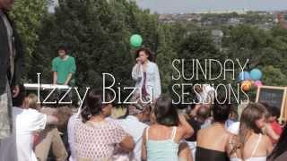 Download Izzy Bizu - White Tiger (Sunday Sessions) Video