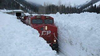 Download SNOW TRAIN Video