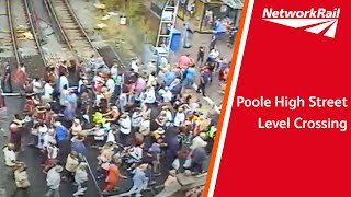 Download Poole High Street level crossing Video