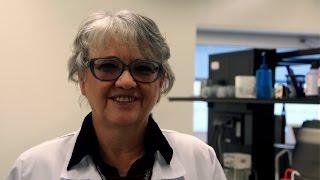 Download Ana Donato conta qual como funciona o Laboratório de Análises Clínicas da FFUC Video