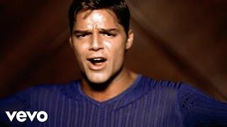 Download Ricky Martin - La Bomba Video