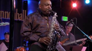 Download Gerald Albright live: Round Midnight Video
