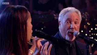 Download Tom Jones & Rhiannon Giddens - St. James Infirmary Blues [HD] Jools' Annual Hootenanny 2015/16 Video