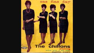 Download The Chiffons - He´s So Fine Video