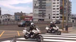 Download Barack Obama's MASSIVE Motorcade in APEC Peru / Caravana de Obama en Lima Video