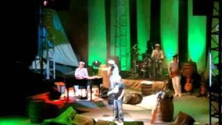 Download Đorđe Balašević - Devojka sa čardaš nogama - Live (Osijek, 28.11.2010.) Video