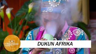 Download Kelakuan Dukun Afrika Ngusir Roh Jahat yang Kocak Video