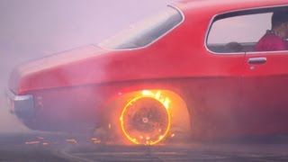 Download RED HOT RIMS burnout at BURNOUT MASTERS qualifying for Summernats Video