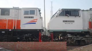 Download Video Kereta Api Indonesia - Lokomotif KAI Terbaru CC206 15 10 TG CC203 95 05 Video